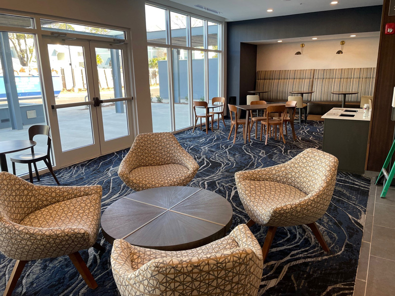 Courtyard-by-Marriott-Pensacola-West-Courtyard-Lobby